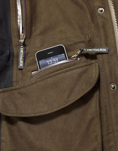 mobil ficka i din jaktjacka