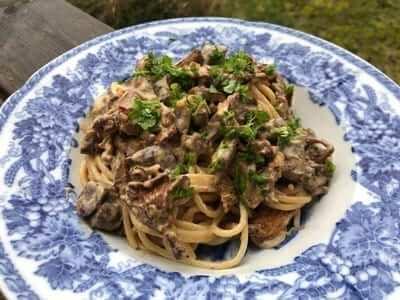 älghjärta med pasta och kantareller
